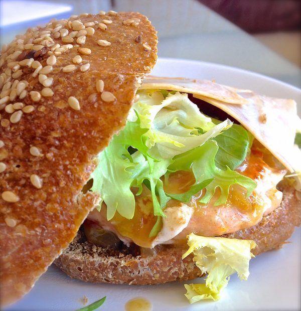 Receta de hamburguesa casera de salmón . Saludable y deliciosa 3