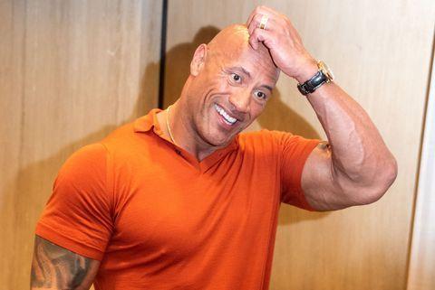 """El Hack de Dwayne Johnson """"La Roca"""" para incrementar tus pectorales con menos peso 1"""