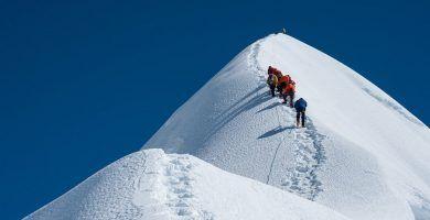 5 montañas imprescindibles (casi) que cualquiera puede escalar